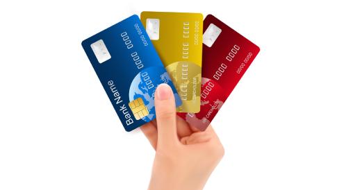 国内のクレジットカード平均所持枚数は3枚